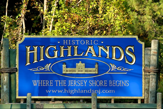 Highlands Bulkhead Welcome sign